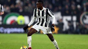 Blaise Matuidi memberikan dukungannya terhadap salah satu rekannya di Juventus